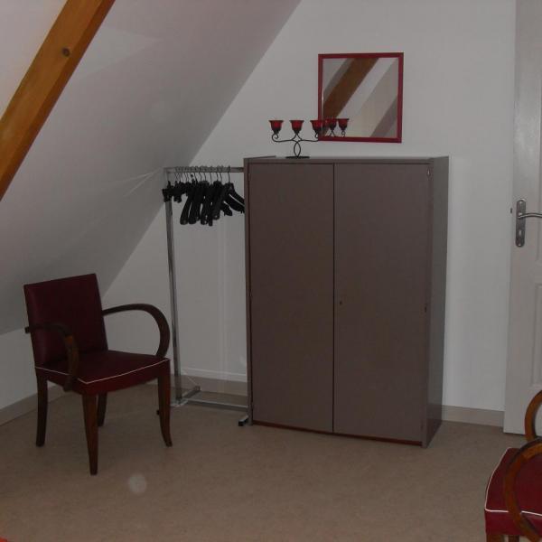 chambre rouge et grise 1